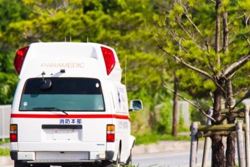 救急車 緊急車両