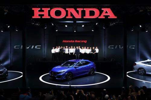 ホンダ 新型シビック 東京オートサロン2017で発表