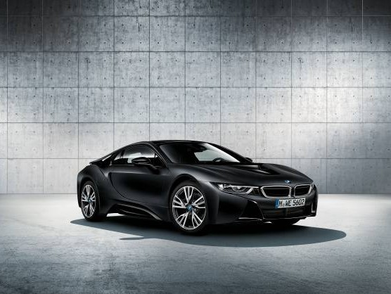 BMW i8 Protonic Frozen Black 限定車