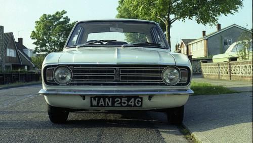 フォード・コンサル・コルチナ 外装2 1968年型