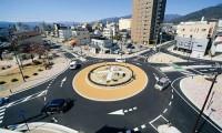 ラウンドアバウト(環状交差点)のルールやメリットと日本である場所は?