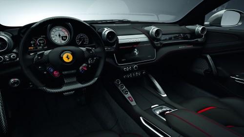 フェラーリ GTC4 ルッソT 内装