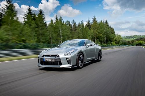 日産 GT-R track シルバー フロント