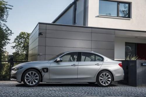 BMW 330e 2015年型