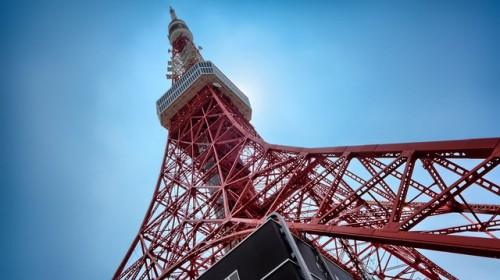 東京タワー 見上げる
