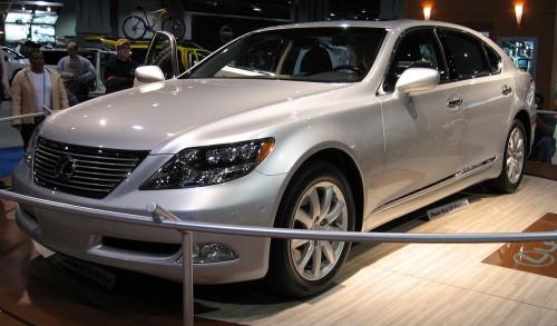 レクサス LS600hL 2008年
