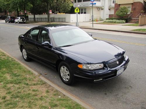 フォード ビュイック リーガル 2002年型