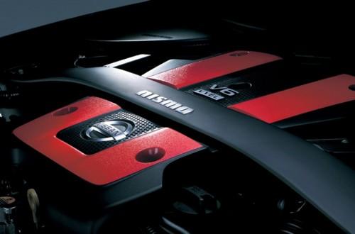 日産フェアレディZ NISMO 専用エンジンカバー・専用ストラットタワーバー