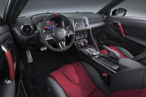 日産 GT-R NISMO2017年型 内装
