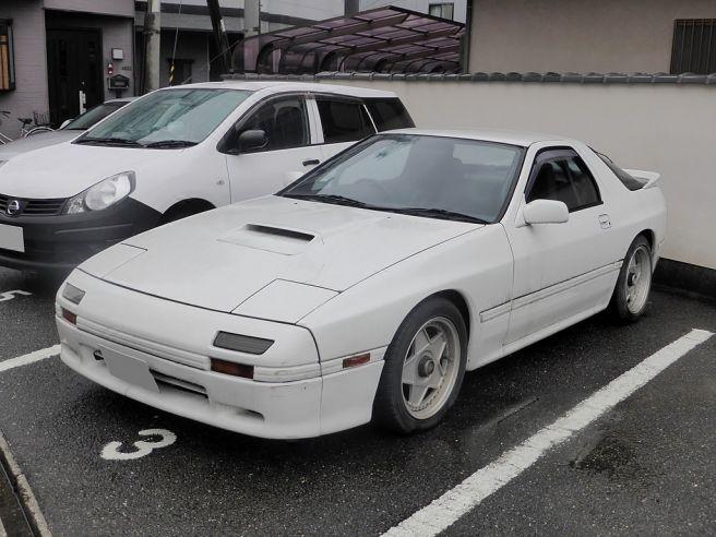 FC3S前期型マツダ・RX-7