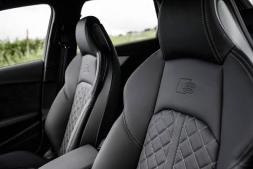 アウディ S4 アバント 新型 内装