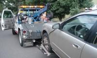 レッカー移動の費用は?駐車違反や車両トラブル時の依頼方法も