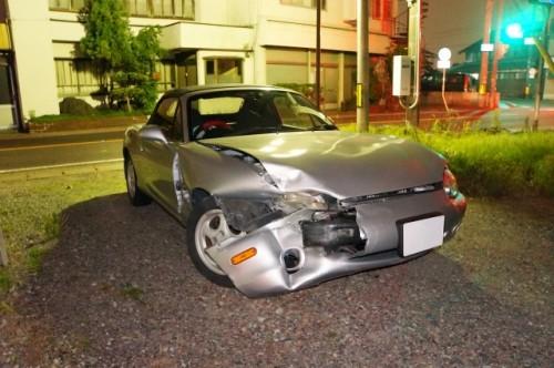 交通事故 事故車