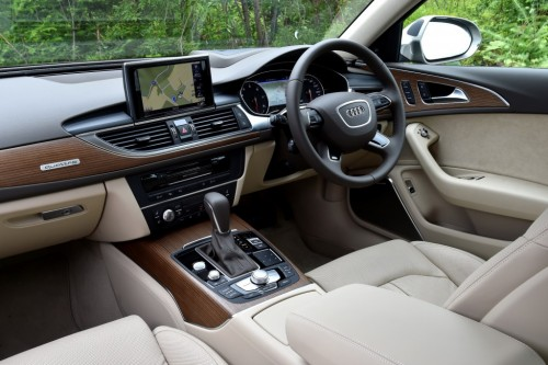アウディ A6 2015年 内装