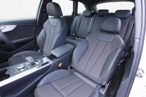 アウディ A4 アバント 新型 内装