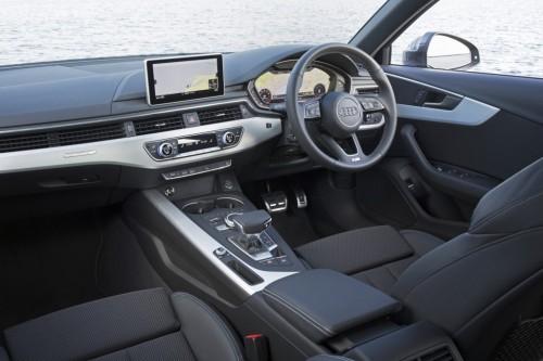 アウディ A4 新型 2016年 内装