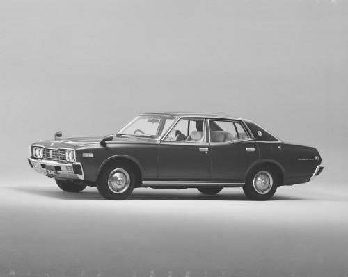 日産 セドリック 330型 4ドアセダン 2000 SGL-E 1977年