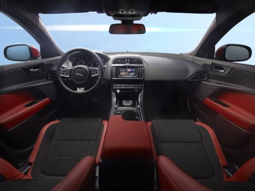 ジャガー XE S 2015年 内装