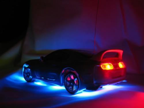 LEDライトで装着した車