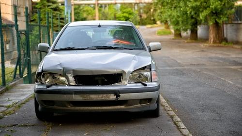 普通自動車の廃車のイメージ