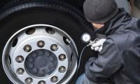 ガソリンスタンドでタイヤの空気入れは可能?空気入れの使い方から空気圧についても