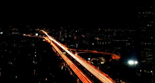 高速道路は車種によって制限速度が変わる?