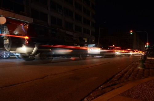夜間 交差点 ブレーキランプ