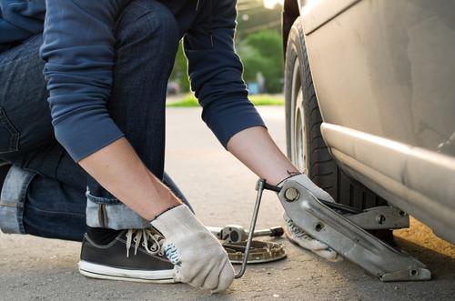 タイヤ交換 パンク修理 ロードサービス ジャッキアップ