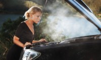 車のエンジンオイルを交換しないと注意!劣化のよくある症状と不具合とは?