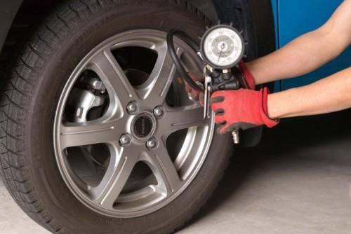 タイヤ空気圧 チェック