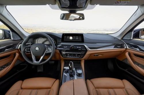 2016 BMW 5シリーズ 内装