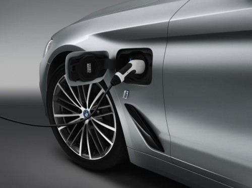 2016 BMW 5シリーズ プラグインハイブリッド