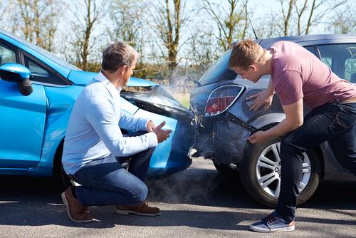 交通事故 対物事故 追突