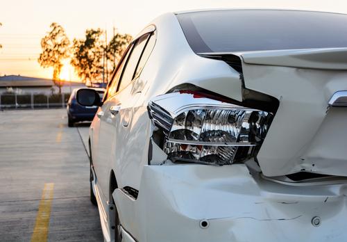 物損事故 追突 自動車保険 交通事故