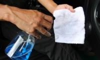 【簡単】車の窓ガラスの拭き方のコツ4選 内窓も外窓も専用グッズがあれば便利!