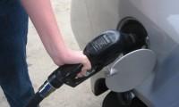 ガソリンタンクに水抜き剤や錆取りは必要?角砂糖を入れるとどうなる?
