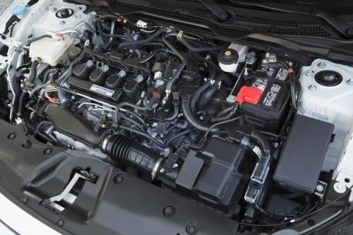 米国仕様 ホンダ・シビックセダン 2017年型 エンジン
