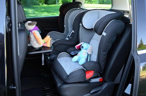 ミニバン 車内・子供用シートのイメージ画像