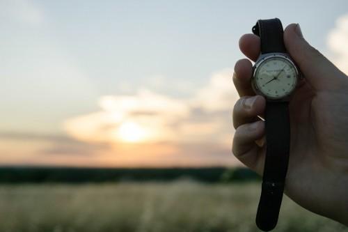 腕時計 地平線 太陽