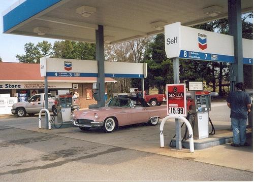 アメリカ ガソリンスタンド レトロ感