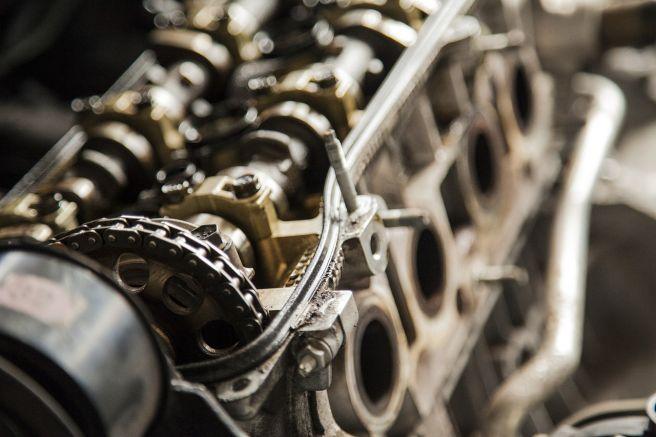 自動車 エンジン