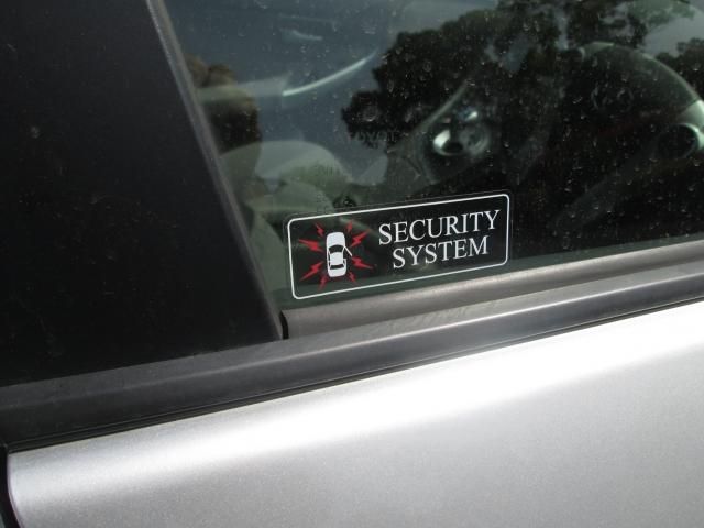 車上荒らし セキュリティー