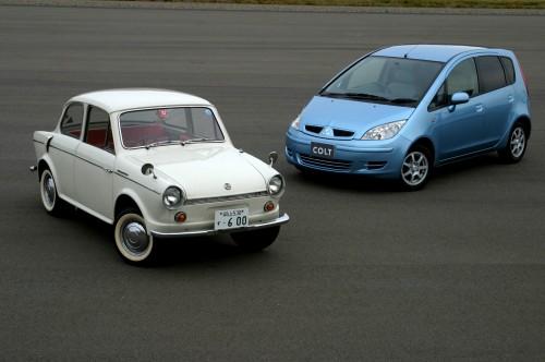 三菱 コルト600 (左)コルト(右)
