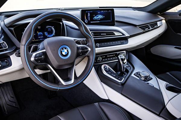 BMW i8 2013年 内装