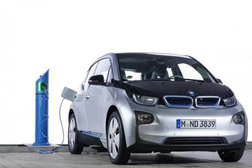 BMW・i3充電中