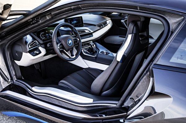 BMW i8 2013年
