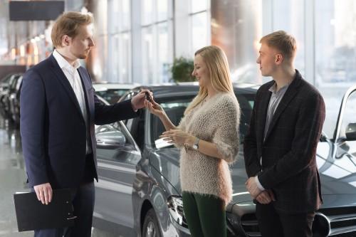 車 購入 商談 ディーラー