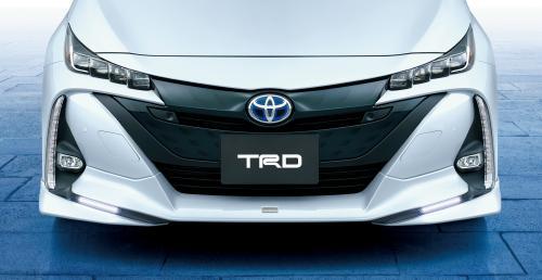 新型トヨタプリウスPHV TRDフロントスポイラー(LEDあり)