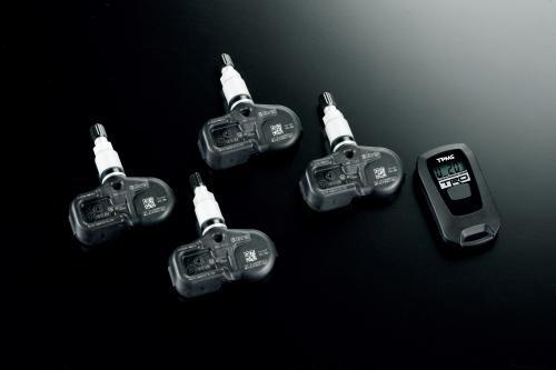 新型トヨタプリウスPHV TRDタイヤ空気圧・温度デジタルゲージ
