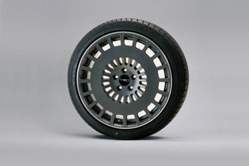 新型トヨタプリウスPHV TRD18インチアルミホイール「TRD TF8」&タイヤセット